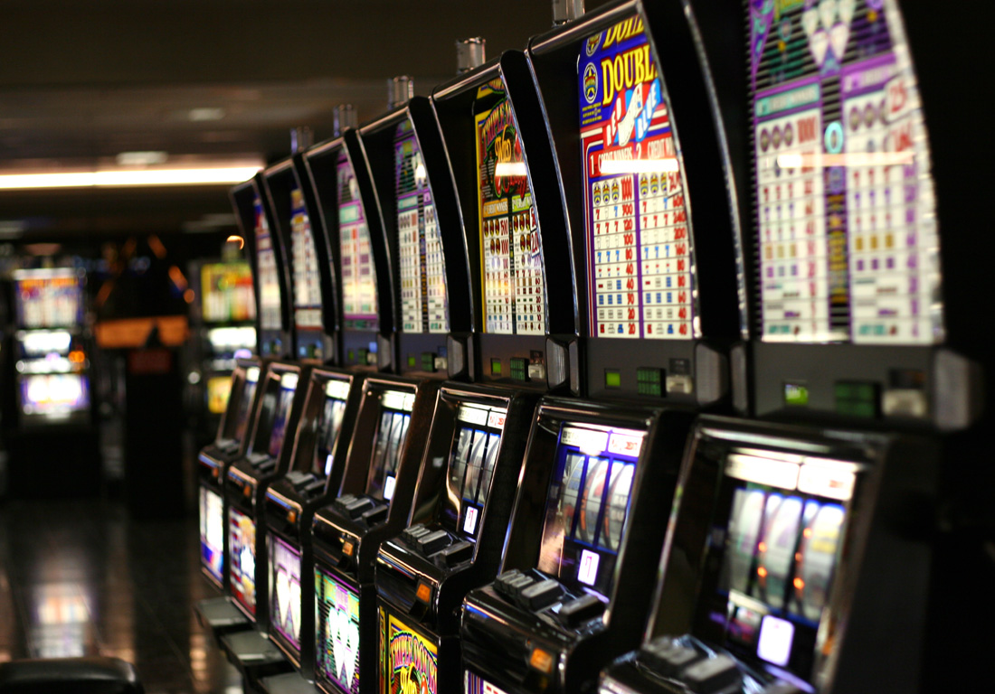 What Everyone Does Not Like Regarding Online Casino