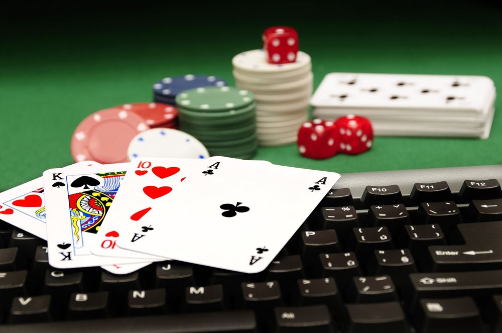 Find A Quick Way to Online Poker